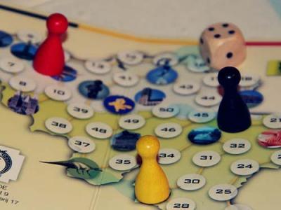 Democratic game